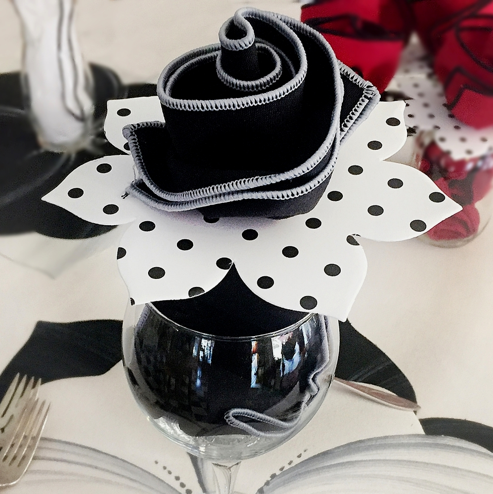 blackringblacknapglass1200-carole.jpg